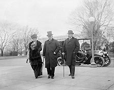 J.P. Morgan, Jr. w/ His Father and Mrs. Herbert Satterlee  Photo Print for Sale