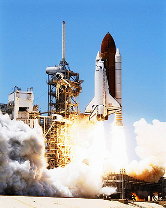 Poster Many Sizes; Space Shuttle Discovery On Launch Pad Sts-121