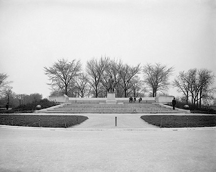 Lincoln Statue in Chicago's Lincoln Park 1900 Photo Print