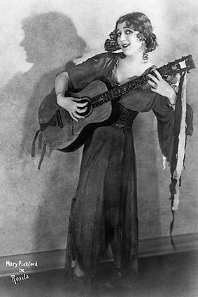 Mary Pickford Playing Guitar in 'Rosita' 1923 Photo Print