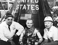 Mercury Friendship 7 Astronaut John Glenn Photo Print for Sale