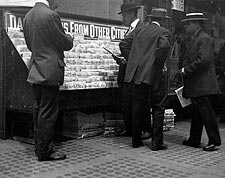 New York City Newsstand Lewis Hine 1913 Photo Print for Sale