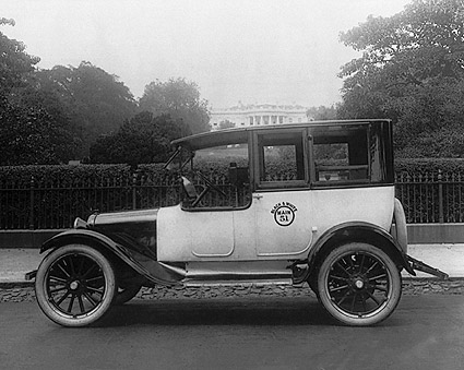 Taxicab & White House, Wash., D.C. 1921 Photo Print