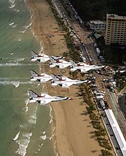 F-16 Thunderbirds Formation Ft. Lauderdale Photo Print for Sale