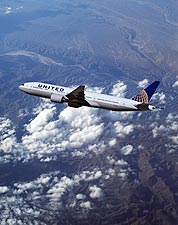 United Airlines Boeing 777-200 in Flight Photo Print for Sale