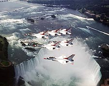 USAF Thunderbirds Niagara Falls Photo Print for Sale