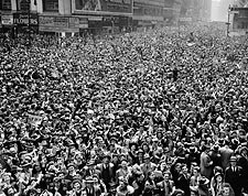 V-E Day Celebration NYC Times Square 1945 WWII Photo Print for Sale