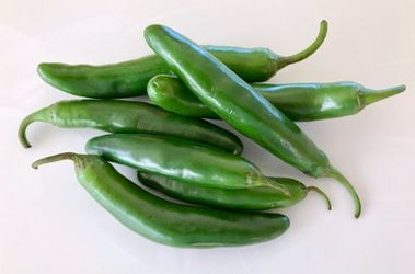 Fresh Chile Serrano Peppers - Chiles Serranos Frescos