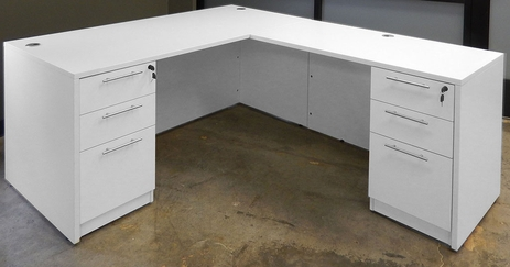 White L-Shaped Rectangular Managers Desk w/6 Drawers