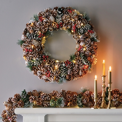 Lighted Pinecone Wreath