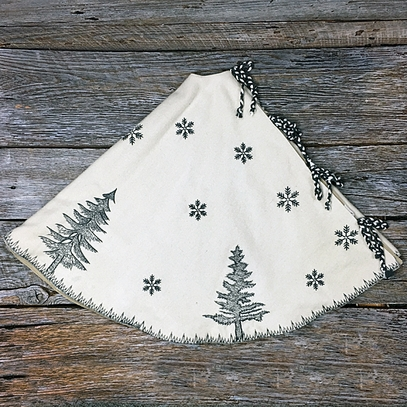 Woodland Ivory Wool Tree Skirt