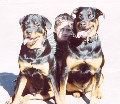 Bruzer, Major & Pal