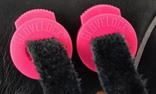 GloveLock Glove Lace Locks Set of 2 -- Hot Pink