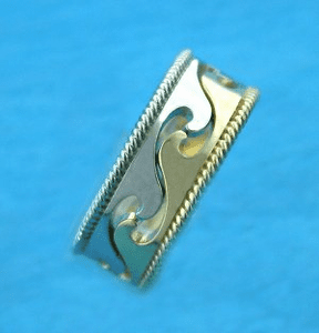 2-Part Cutout Wave Ring with Rope Sides
