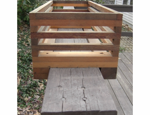 Deck Rail Planter Slotted