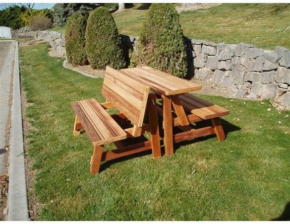 Villa Picnic Table: 2 Piece