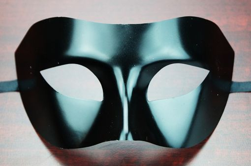 Allure Black Eye Masquerade Mask