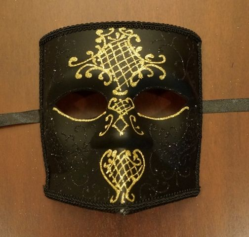 Black & Gold Bauta Mask