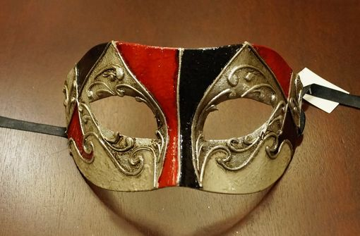 Bortolo Men's Venetian Eye Red Masquerade Mask