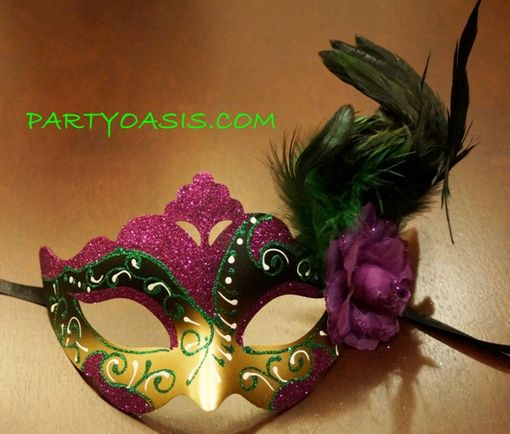 Bourbon Street Feather Eye Mask
