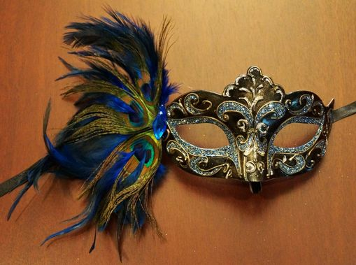 Carnival Feather Eye Mask Blue