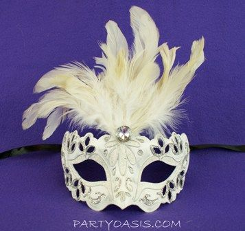Carnivale Feather Eye Mask