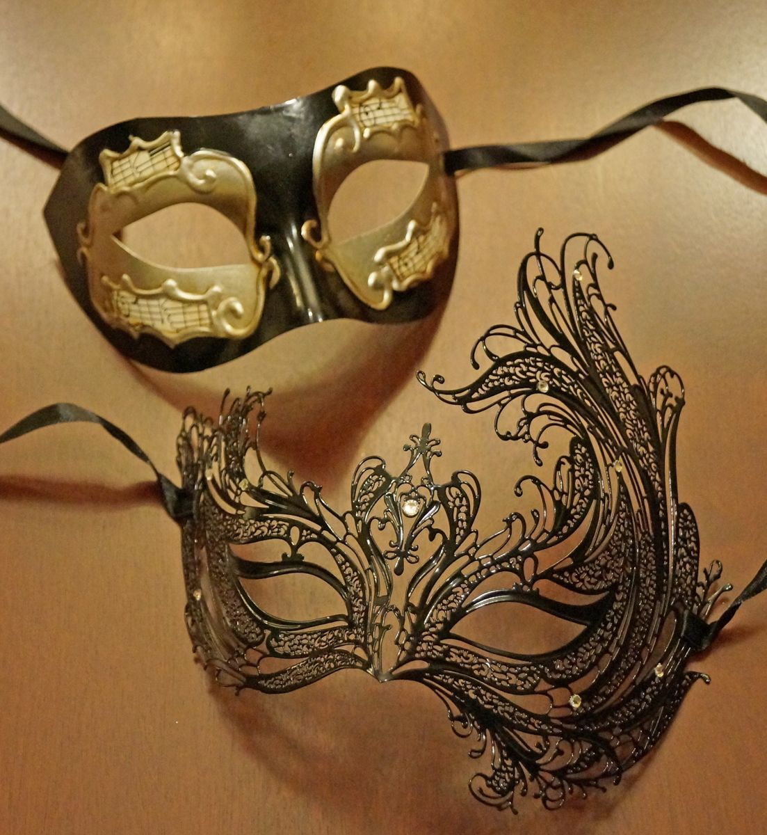 Sasha Couples Masquerade Mask Set