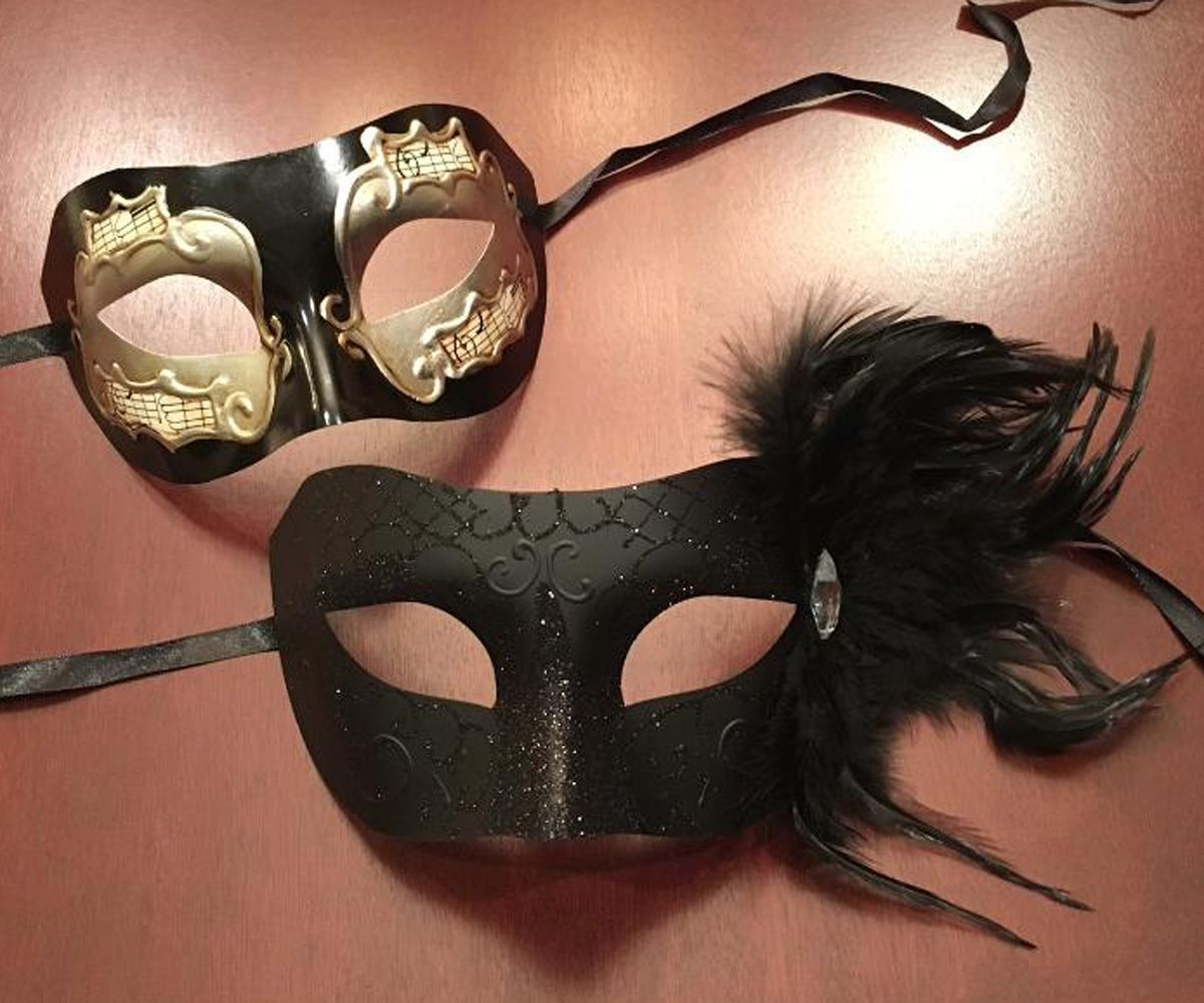 Divine Couples Masquerade Mask Set