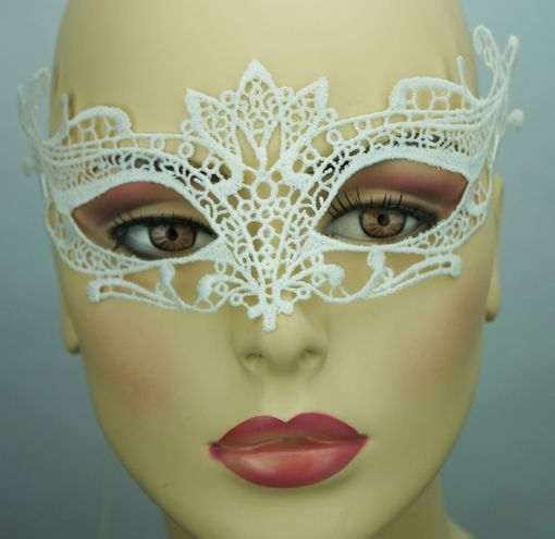 Embroidered Venice Eye Embroidered Masquerade Mask White
