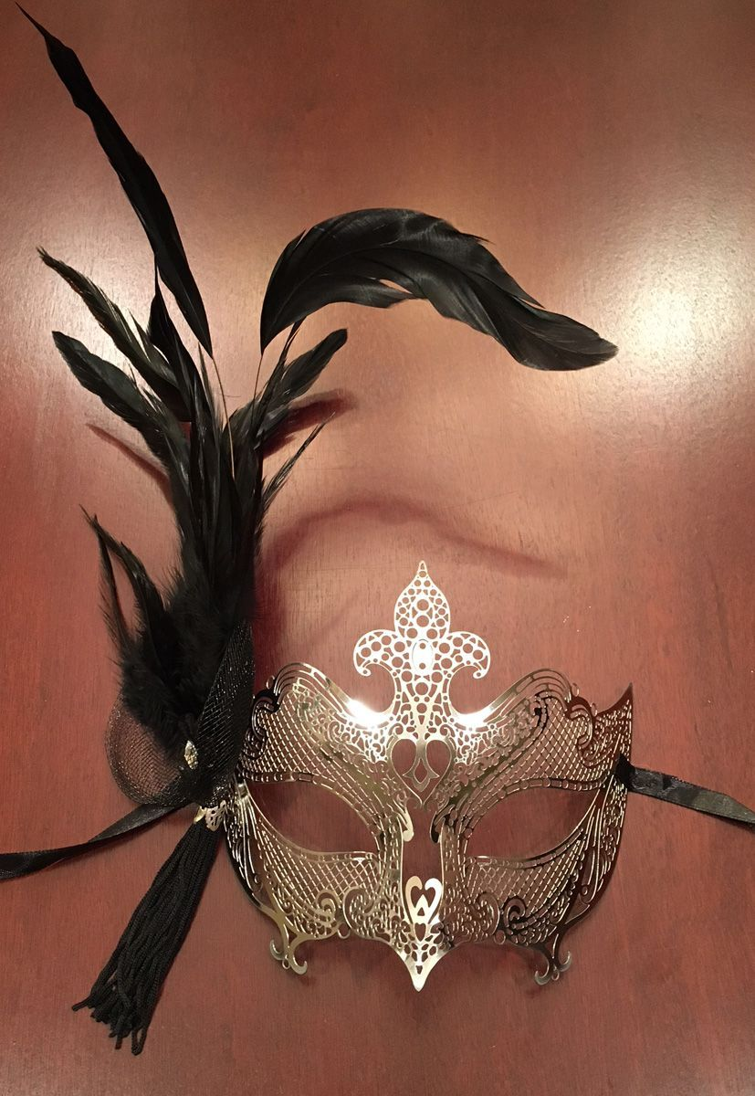 Women's Silver Feather Masquerade Eye Mask