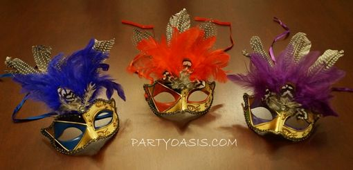 Fancy Mardi Gras Party Masquerade Masks With Feathers