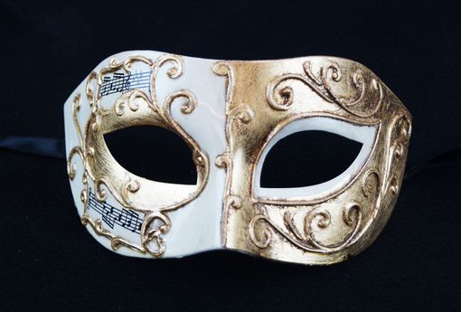 Giovanni Men's Masquerade Mask White