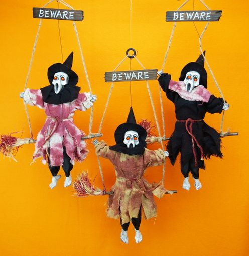 Halloween Hanging Witches