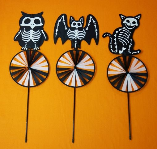 Halloween Lawn Stakes