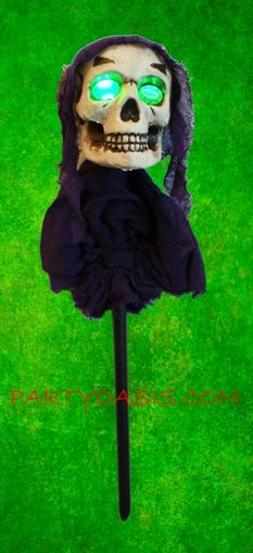 Halloween Skull Lawn Stake With L.E.D Flashing Eyes