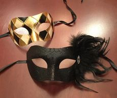 Helena Couples Masquerade Mask Gold