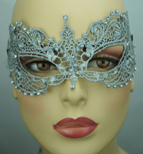 kerisa Embroidered Venetian Eye Masquerade Mask Silver
