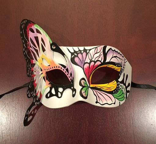 Luxe Butterfly Mask Pink