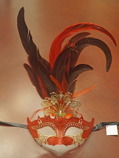 Red Masquerade Feather Eye Mask