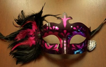 Masquerade Feathers Eye Mask In Hot Pink