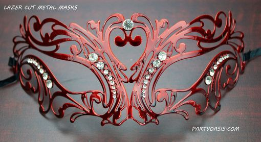 Masquerade Lazer Cut Mask In Red