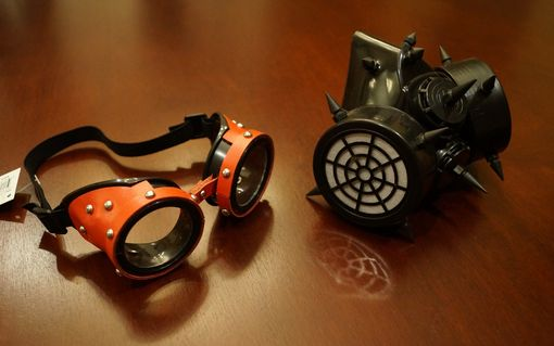 Metron Gas Mask And Goggles