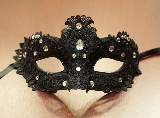 Midnight Diamond Eye Masquerade Mask