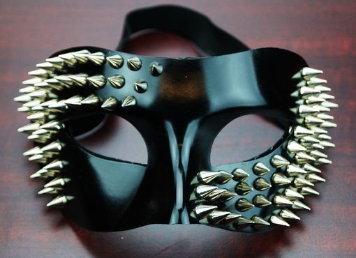 Navarro Black Spiked Mask