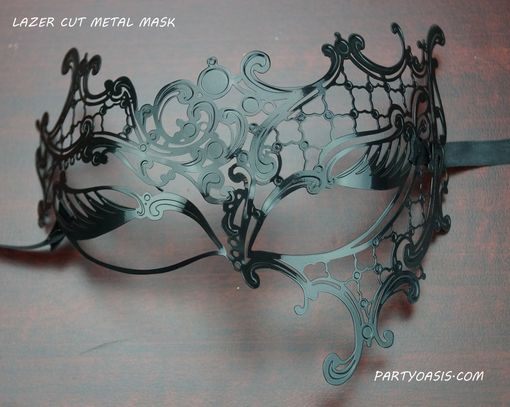 Petra Metal Mask BLack