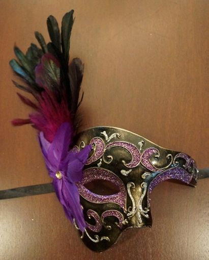Rio Feather Half Mask Purple