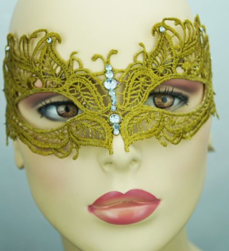 Saddie Embroidered Masquerade Mask Gold