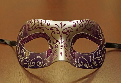 Sara Purple Masquerade Mask