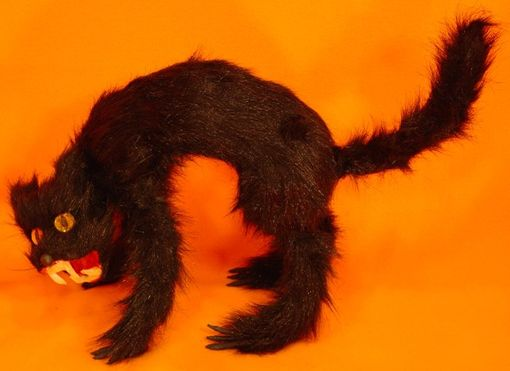 "Scary Black Screaming Cat 11"" With Sound"
