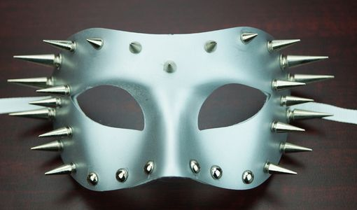 Tiburon Silver Spiked Mask